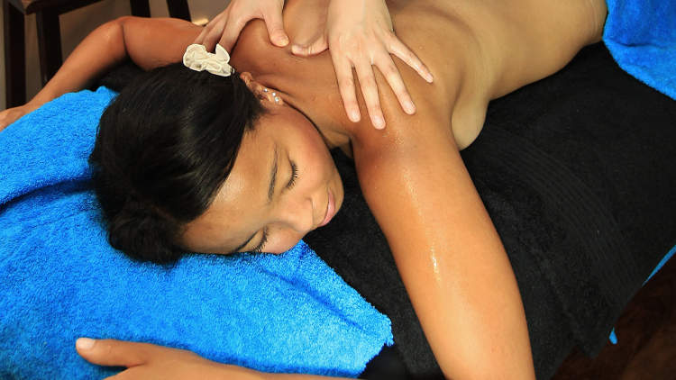 Oiled Massage Salon Green Island
